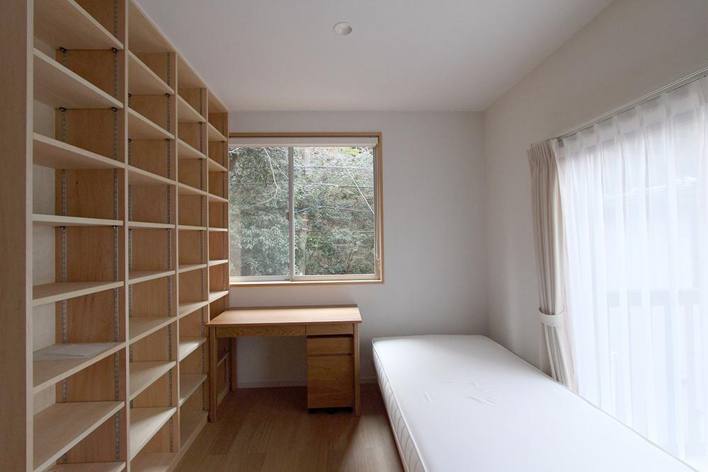 大きな書棚